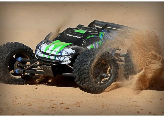 E-Revo 4WD Kömürsüz Canavar Kamyon